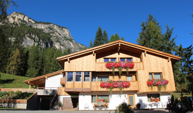 The apartments Ciasa Fornata are at La Villa in Alta Badia