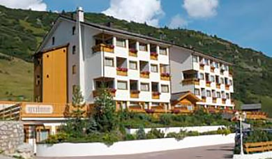 Hotel Grifone at the Campolongo Pass between Corvara / Alta Badia and Arabba
