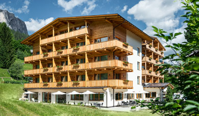 Hotel Miramonti, 3 star hotel at Badia in Alta Badia.